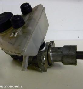 Hoofdremcilinder met reservoir 260E 300E  m103